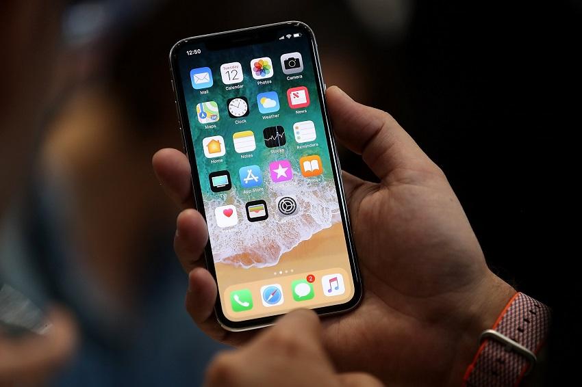 تماشا کنید: پرچمدار جدید شرکت اپل با نام iPhone X رسما معرفی شد